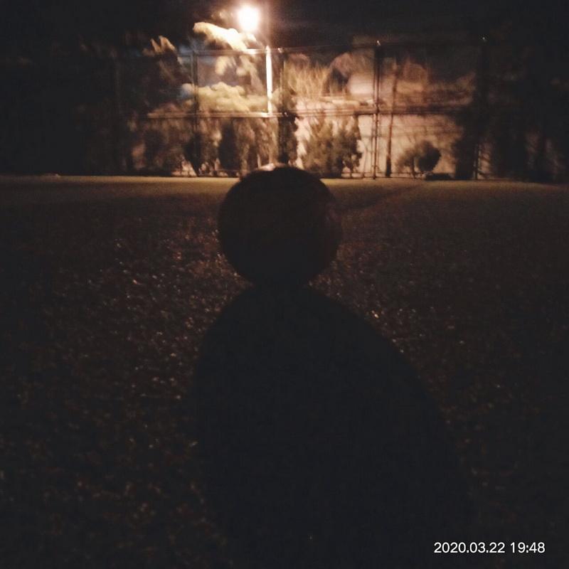 夜色下的西元庄运动场